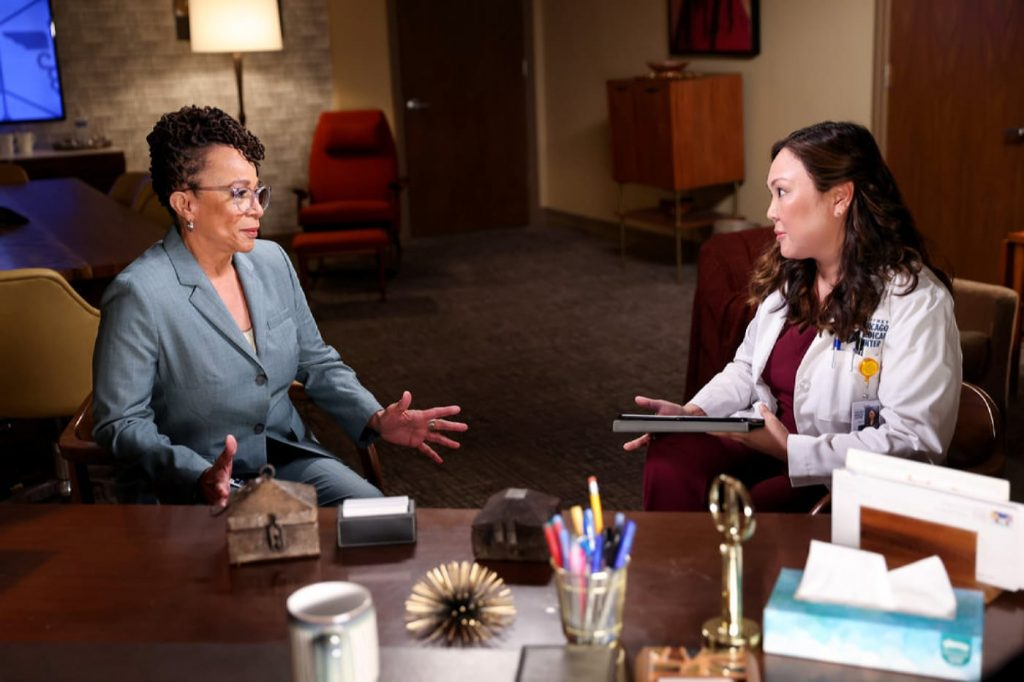 """CHICAGO MED -- """"To Lean In Or To Let Go"""" Episode 702 -- Pictured: (l-r) S. Epatha Merkerson as Sharon Goodwin, Angela Oh as Dr. Joy Yang -- (Photo by: George Burns Jr/NBC)"""